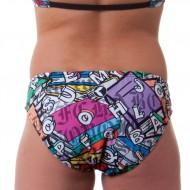 Costume due pezzi per bambina ideale per la piscina e la spiaggia.