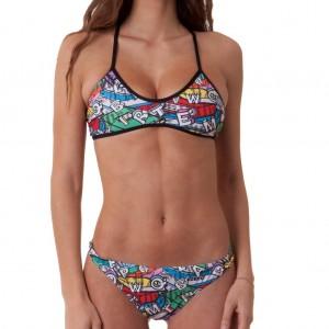 Costume da bagno donna 2 pezzi della linea Training, perfetto per nuotare e giocare a beach volley.