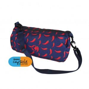 Comoda borsa in poliestere con zip centrale e tracolla. Per la piscina e il tempo libero.