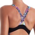 Costume da donna con una bella fascia sotto seno che disegna le forme e dona un tocco di colore al c