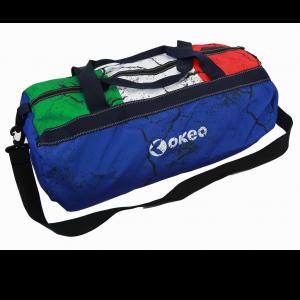 Borsone da piscina con maniglie e comoda tracolla. Con tricolore italiano.